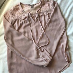 blush pink flowy top with lace yoke detail
